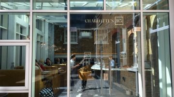 Charlotte's W5 – Review